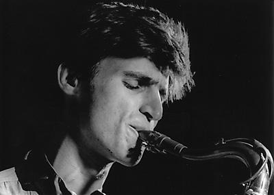 Daniel Schnyder est un compositeur que j'ai découvert, il y a quelques années, au travers d'un formidable concerto pour trombone basse et ensemble intitulé ... - schnyder_daniel_portrait